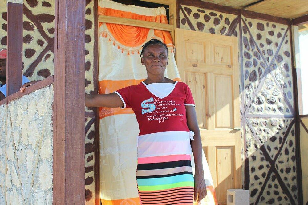 HomePlan begunstigde Jacqueline uit Haïti voor haar nieuwe huis