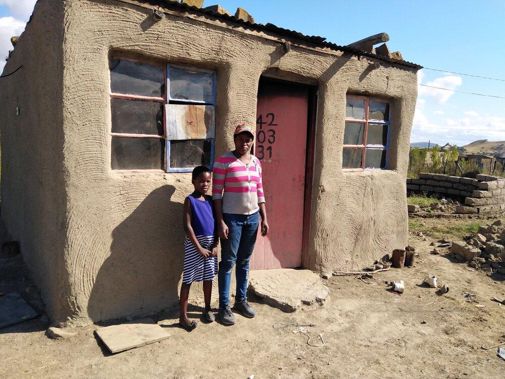 Bouwen in Wasbank: Zodwa en haar gezin hebben een huis nodig!