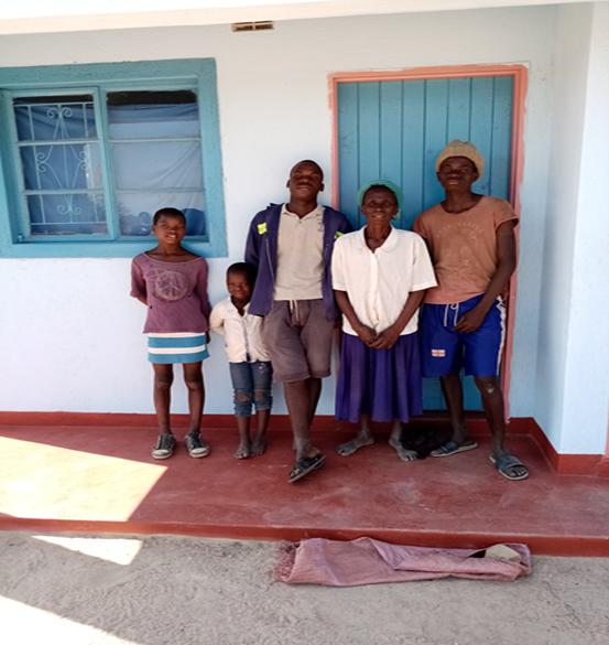 Elf huizen met toilet gebouwd in Zimbabwe