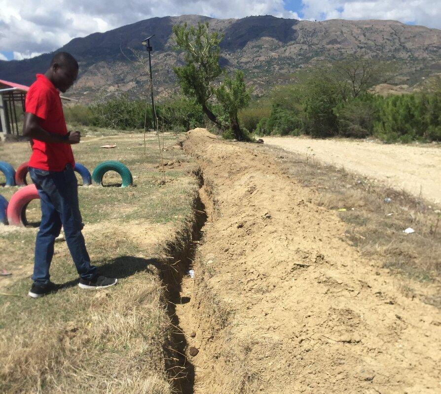 Aanleg waterleiding in Haïti